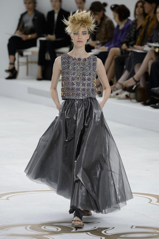 Chanel haute couture fall winter 2014 2015 pixie chicks for Haute couture 2015