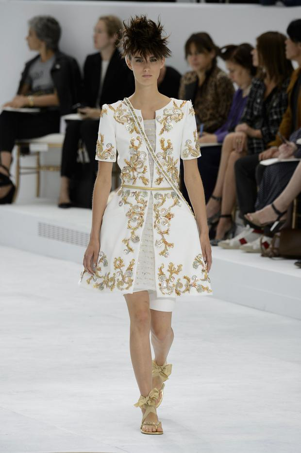 Chanel haute couture fall winter 2014 2015 pixie chicks for 2015 haute couture