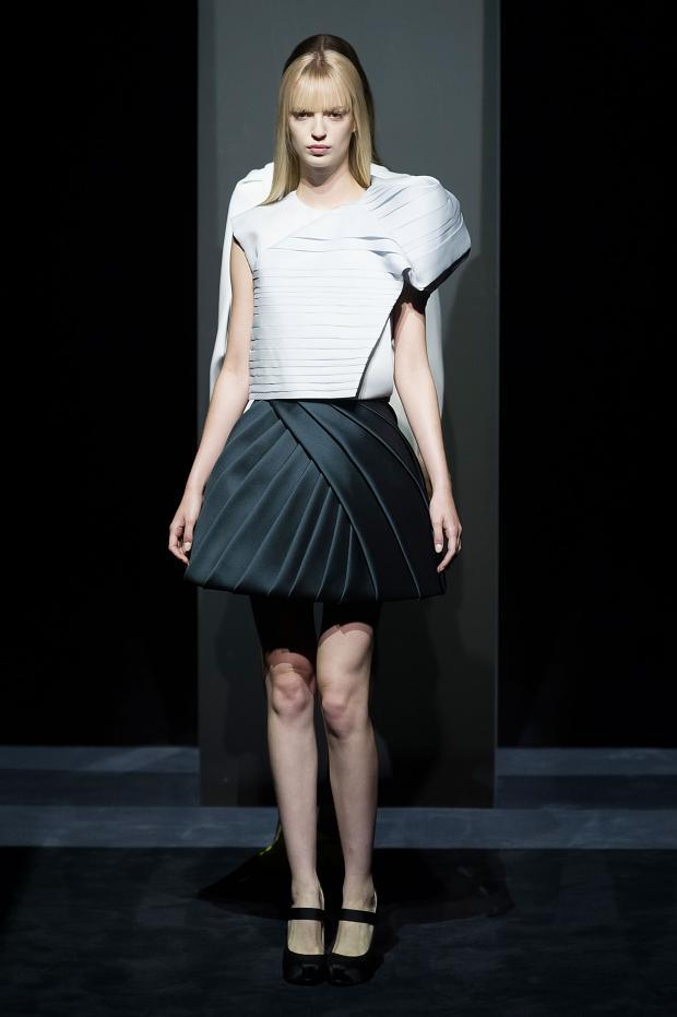 Dice Kayek Haute Couture F/W 2014-2015 Structure Couture ...