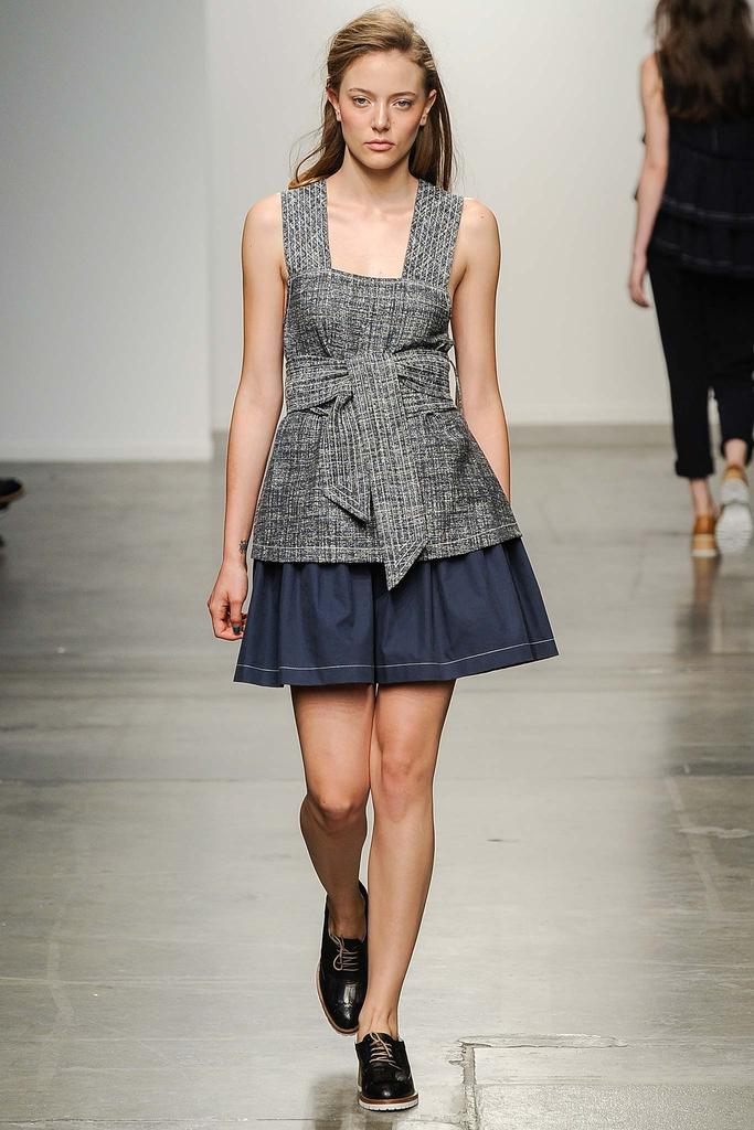 Mccartney Stella english fashion designer, Mcqueen Alexander scarf pink