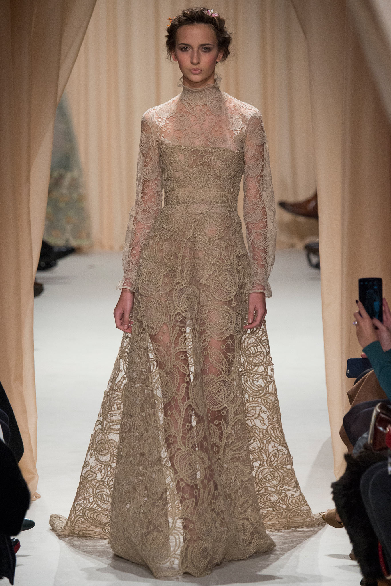 Valentino haute couture s s 2015 paris graveravens for Haute couture 2015