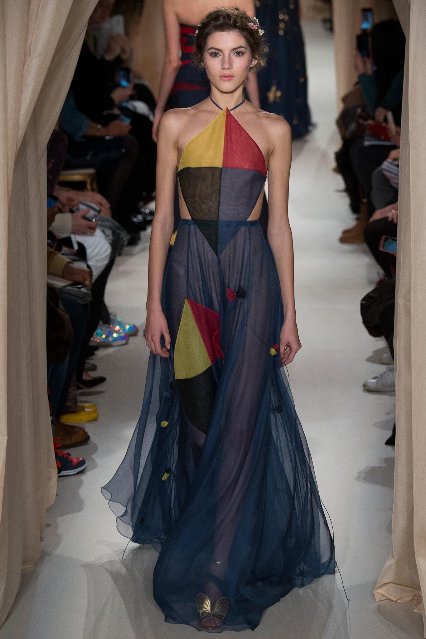 Valentino haute couture graveravens for Haute couture 2015