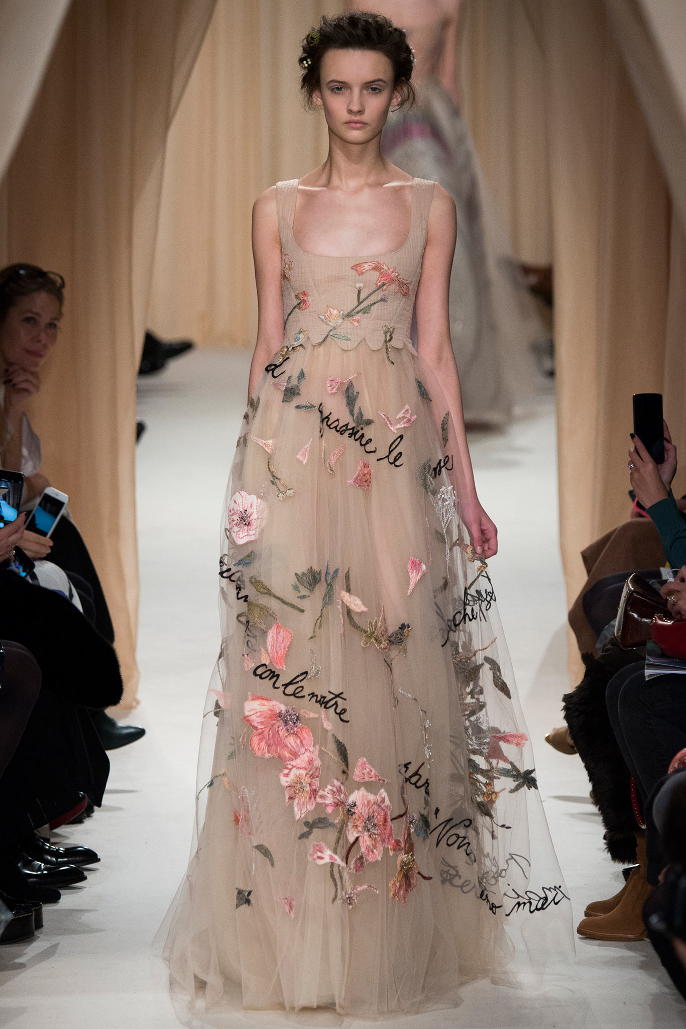 Valentino haute couture s s 2015 paris graveravens for Hout couture