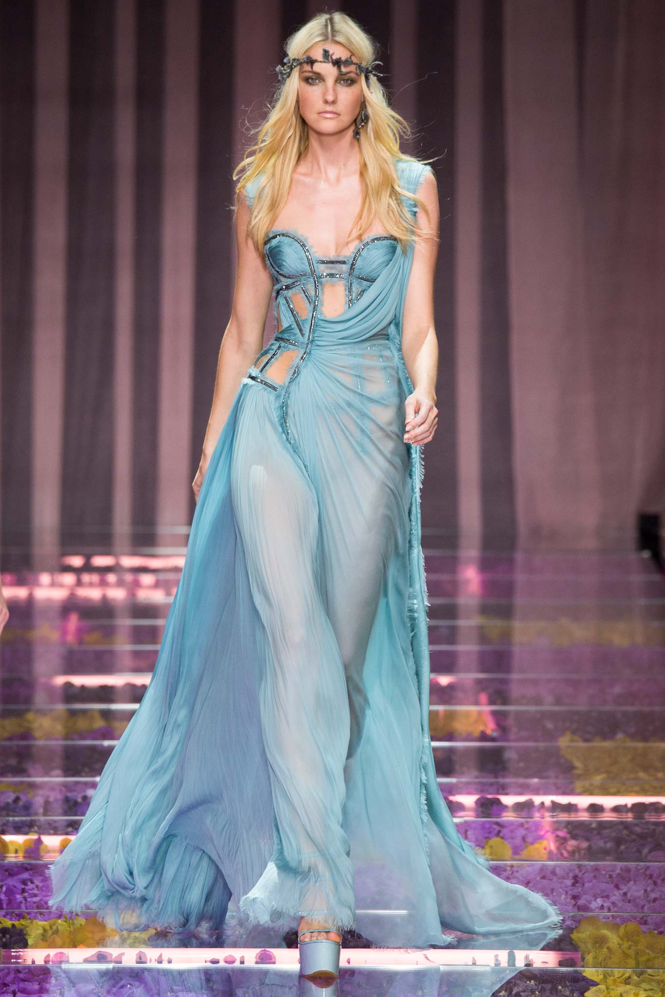 Atelier versace haute couture f w 2015 paris graveravens for Haute couture 2015