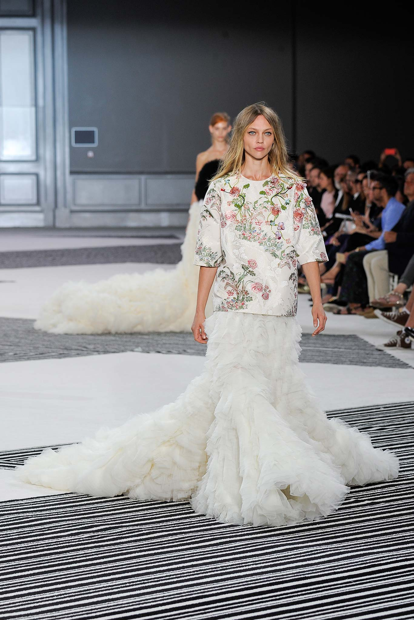 Giambattista valli haute couture f w 2015 paris graveravens for 50 haute couture