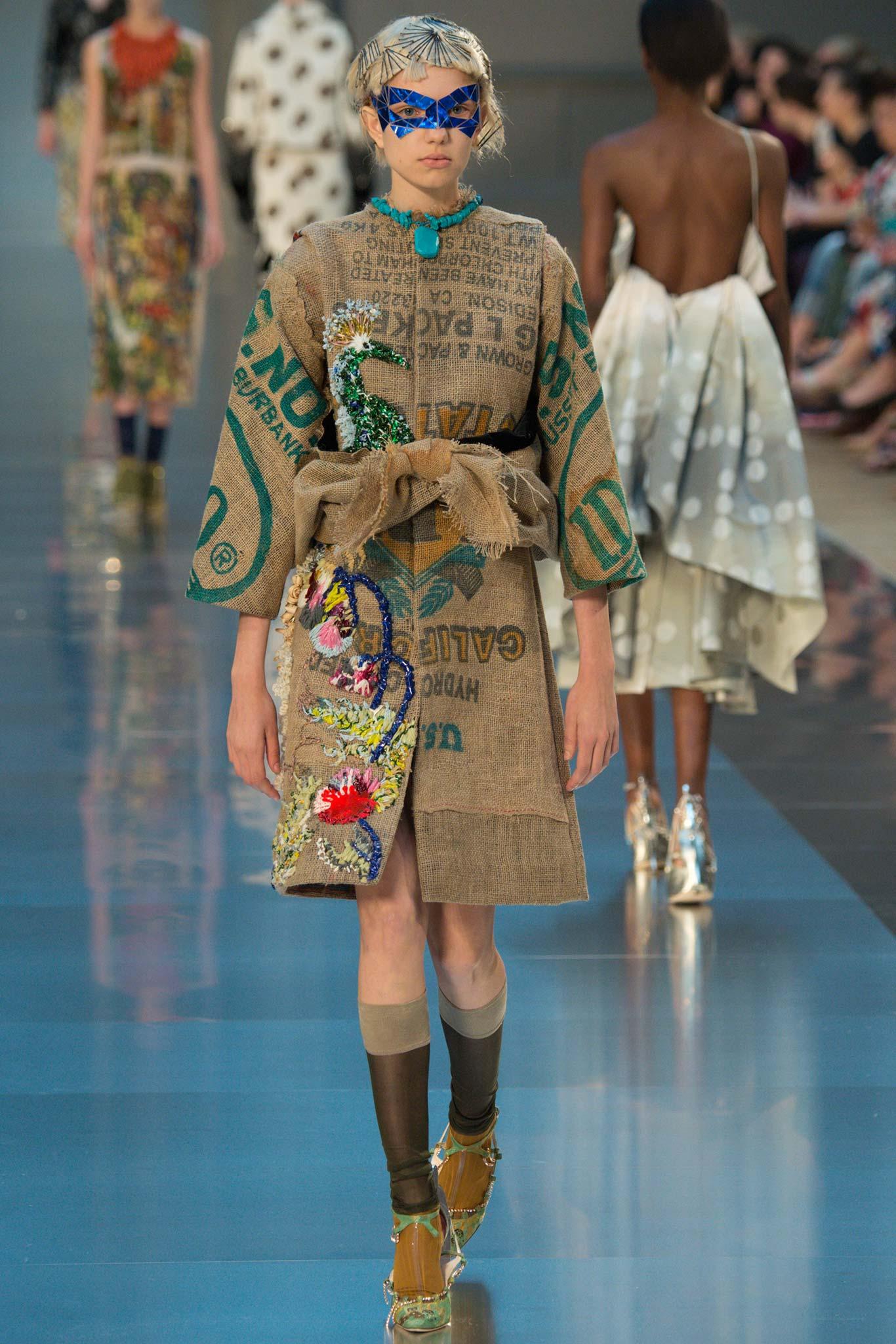 Maison margiela haute couture f w 2015 paris graveravens for Haute couture translation