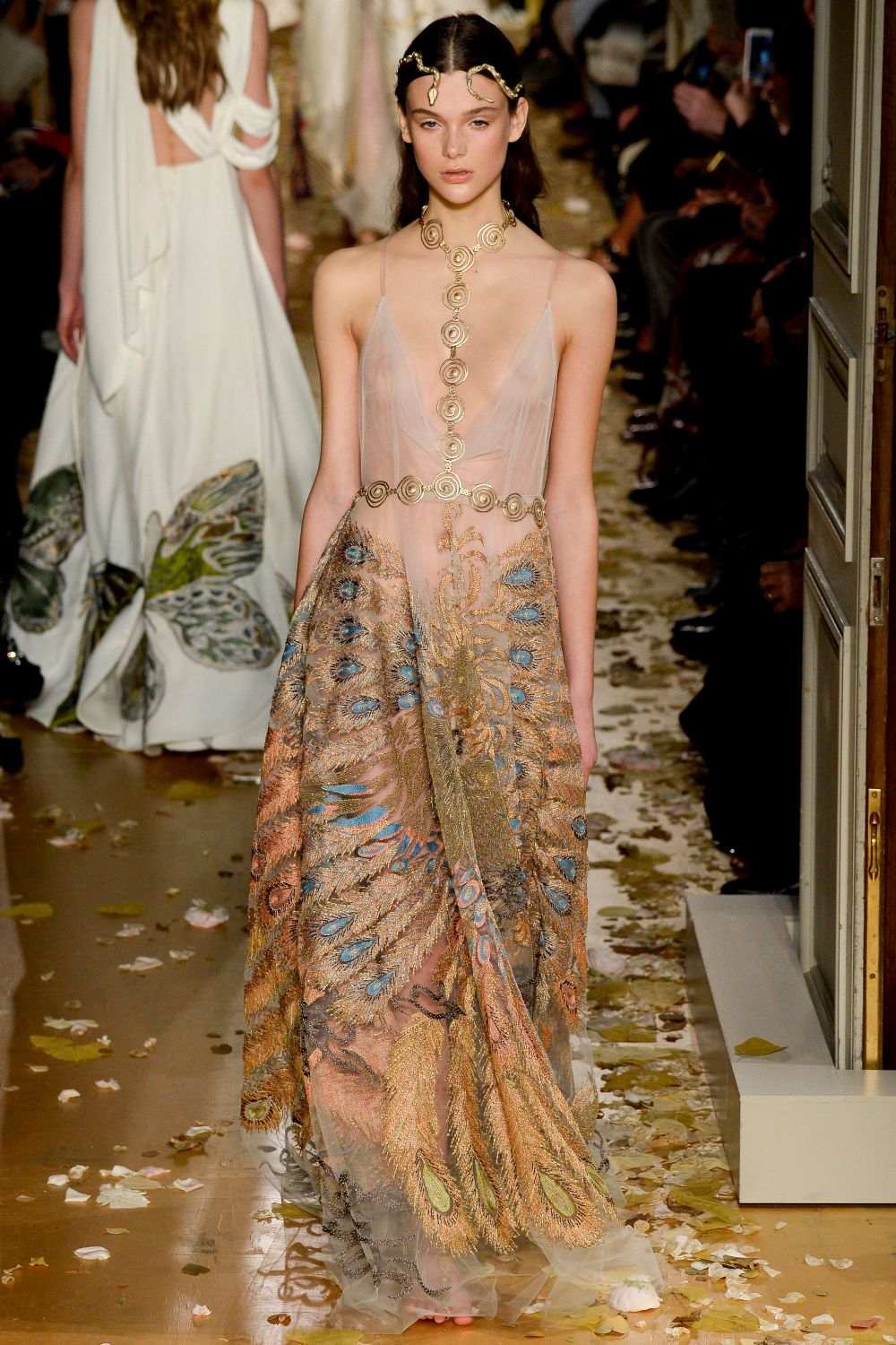 Valentino haute couture s s 2016 paris graveravens for A haute couture