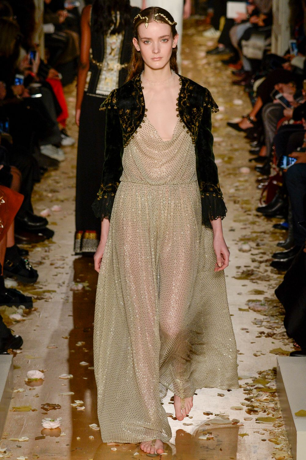 Valentino haute couture s s 2016 paris graveravens for 50 haute couture