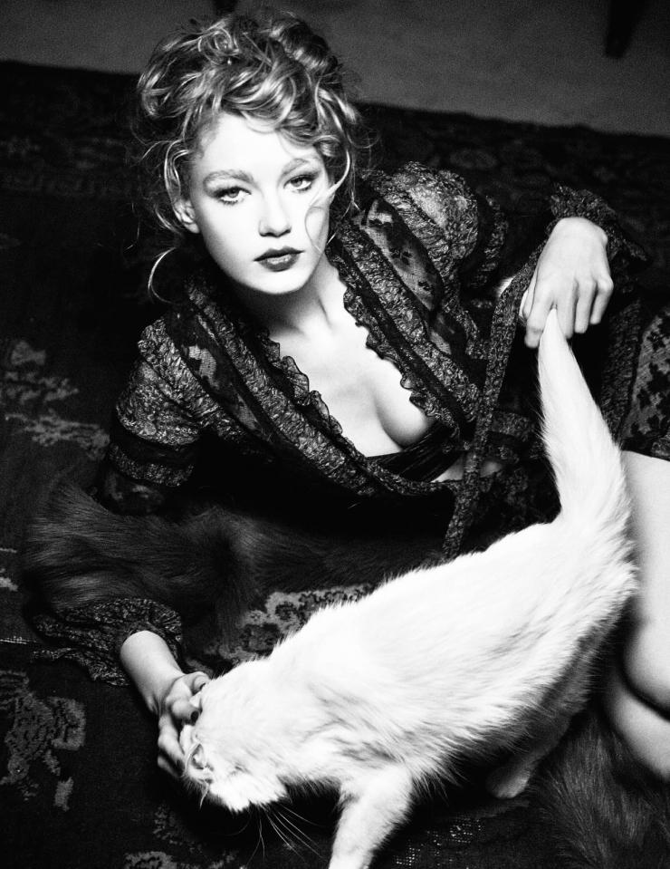 Ellen von Unwerth Nude Photos 97