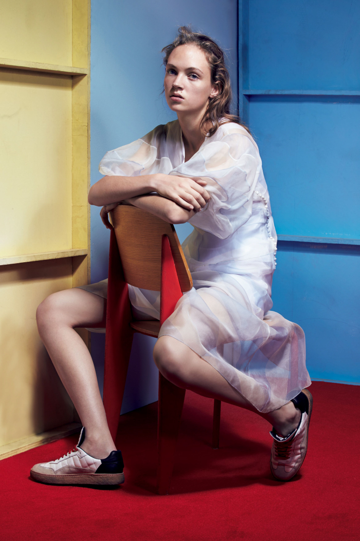 adrienne-jucc88liger-by-liz-collins-for-vogue-japan-may-2016-3