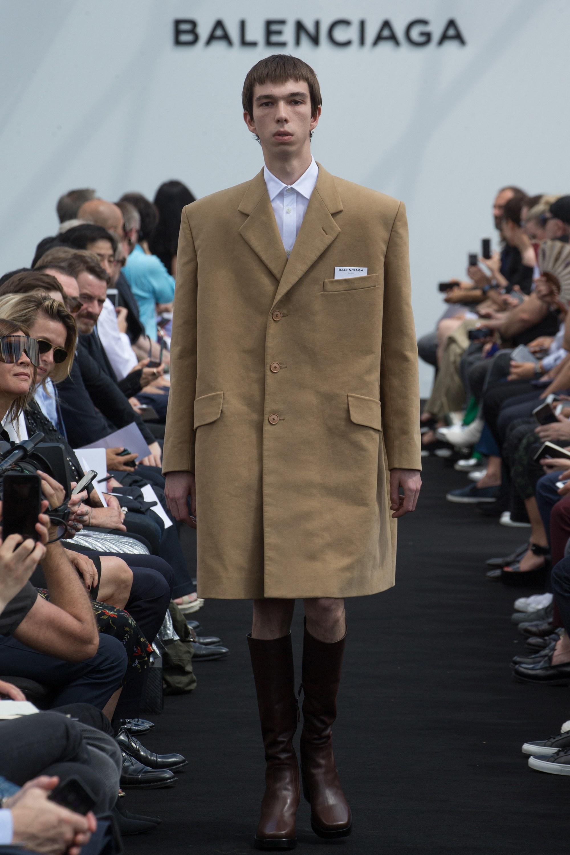 Balenciaga Menswear SS 2017 Paris (1)