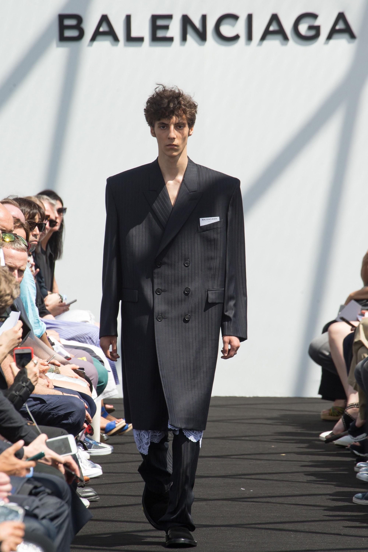 Balenciaga Menswear SS 2017 Paris (28)