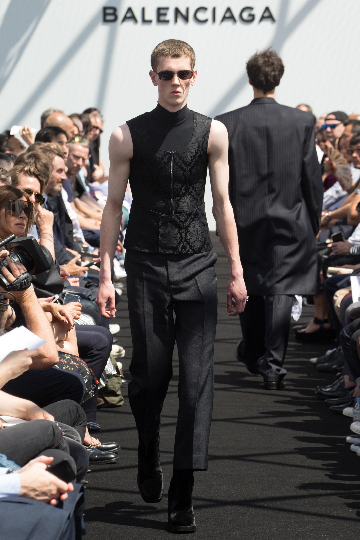 Balenciaga Menswear SS 2017 Paris (29)