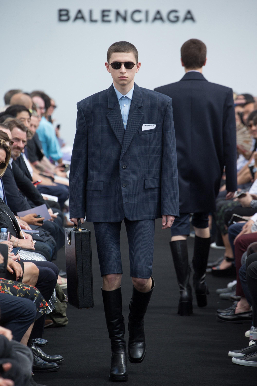 Balenciaga Menswear SS 2017 Paris (3)