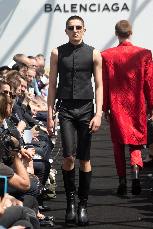 Balenciaga Menswear SS 2017 Paris (32)