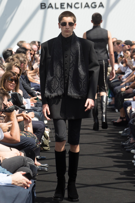 Balenciaga Menswear SS 2017 Paris (33)