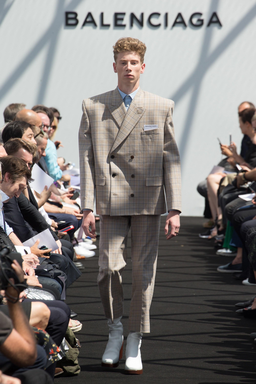 Balenciaga Menswear SS 2017 Paris (5)