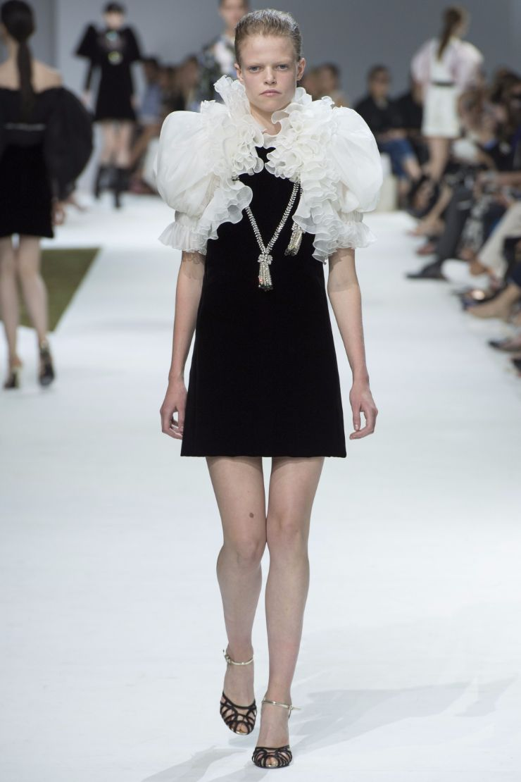 Giambattista Valli Haute Couture FW 2016 Paris (34)