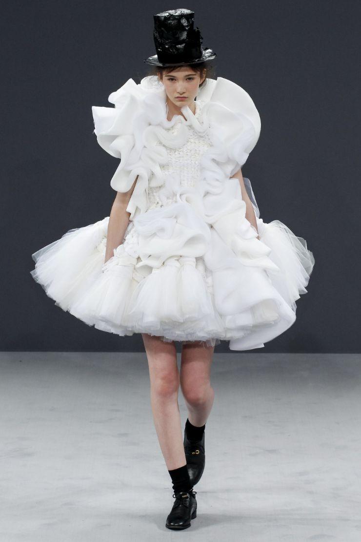 Viktor & Rolf Haute Couture FW 2016 Paris (23)