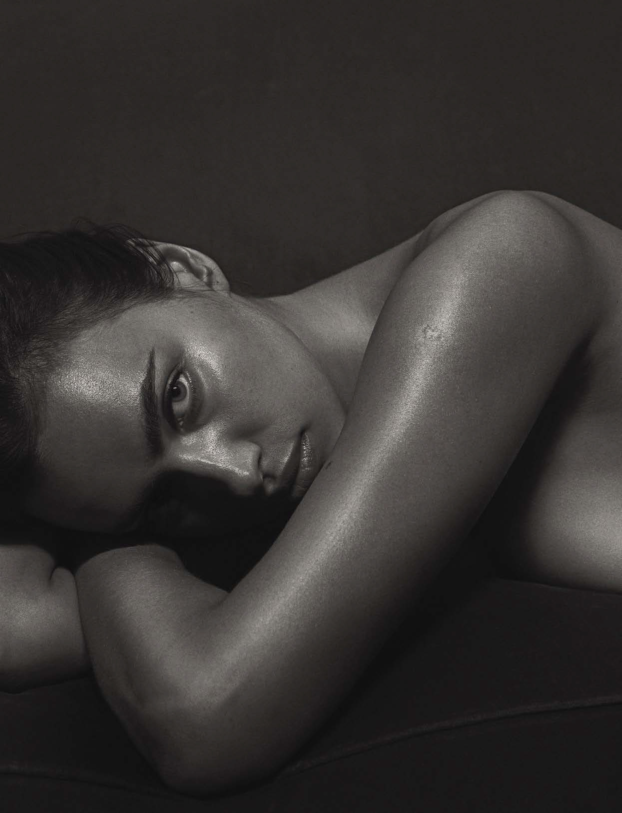 Irina Shayk by Mario Sorrenti (4)