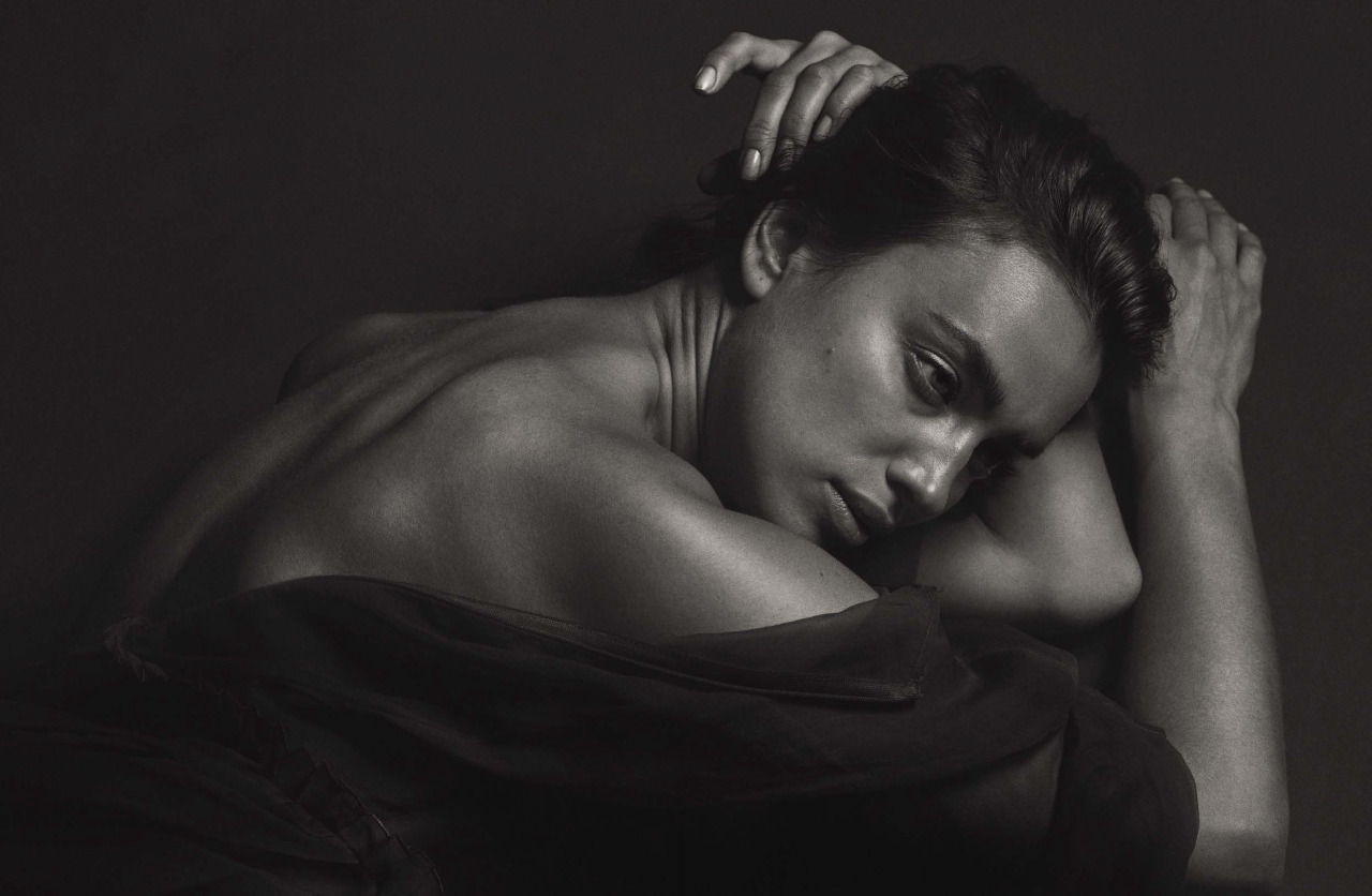 Irina Shayk by Mario Sorrenti (6)