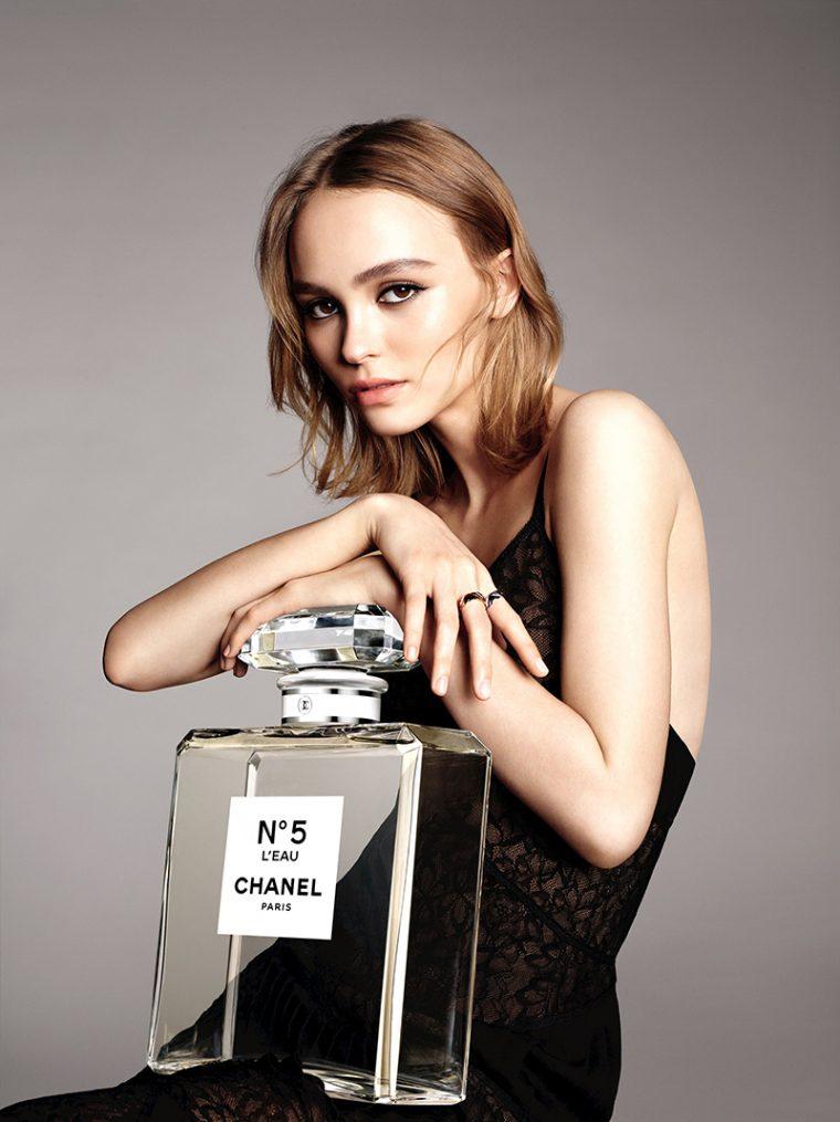 Lily-Rose-Depp-by-Karim-Sadli-for-Chanel-'No.5-L'Eau'-Fragrance-2016-Campaign-1-760x1015