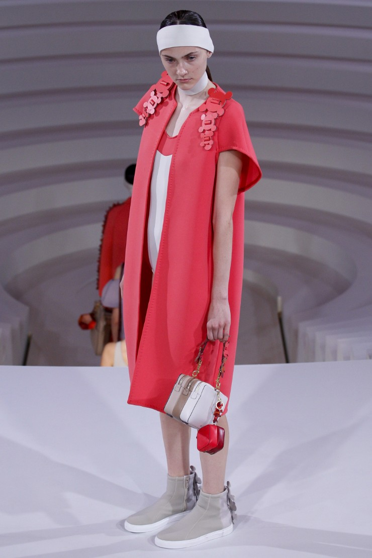 anya-hindmarch-ready-to-wear-ss-2017-lfw-12