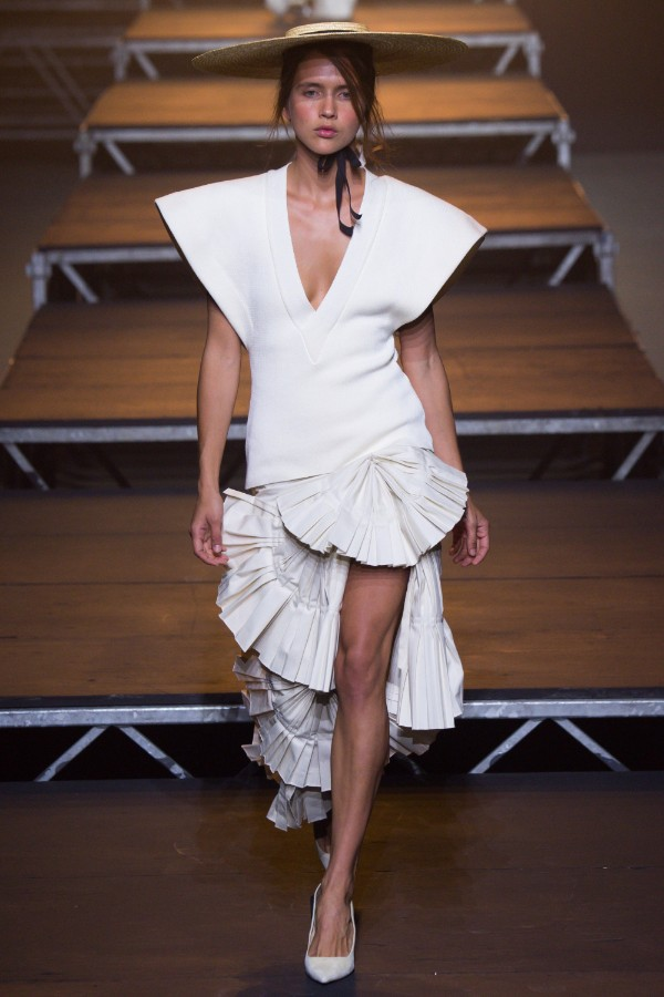 jacquemus-ready-to-wear-ss-2017-pfw-25