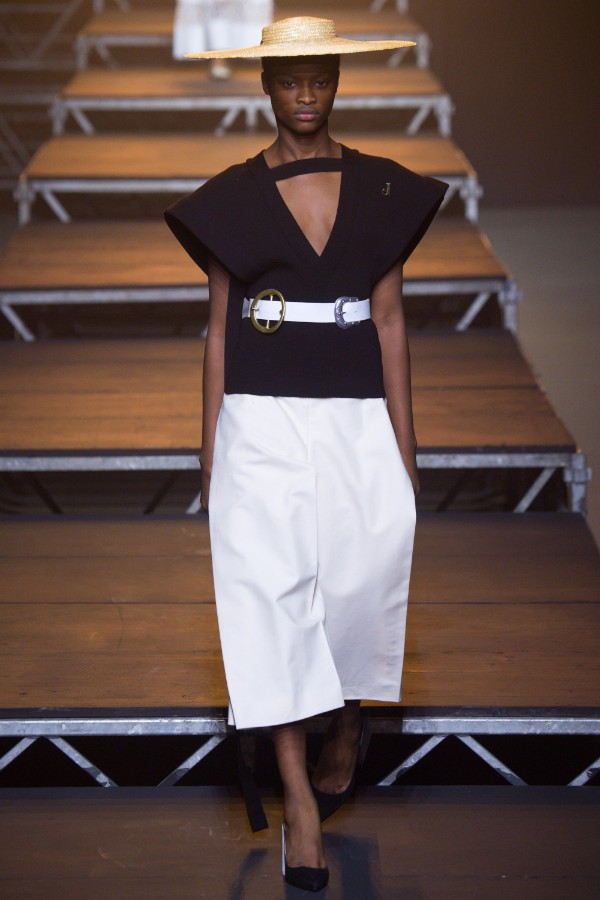 jacquemus-ready-to-wear-ss-2017-pfw-33