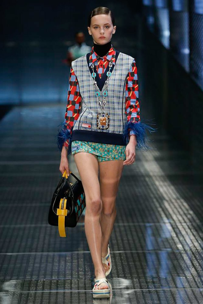 prada-ready-to-wear-ss-2017-mfw-22