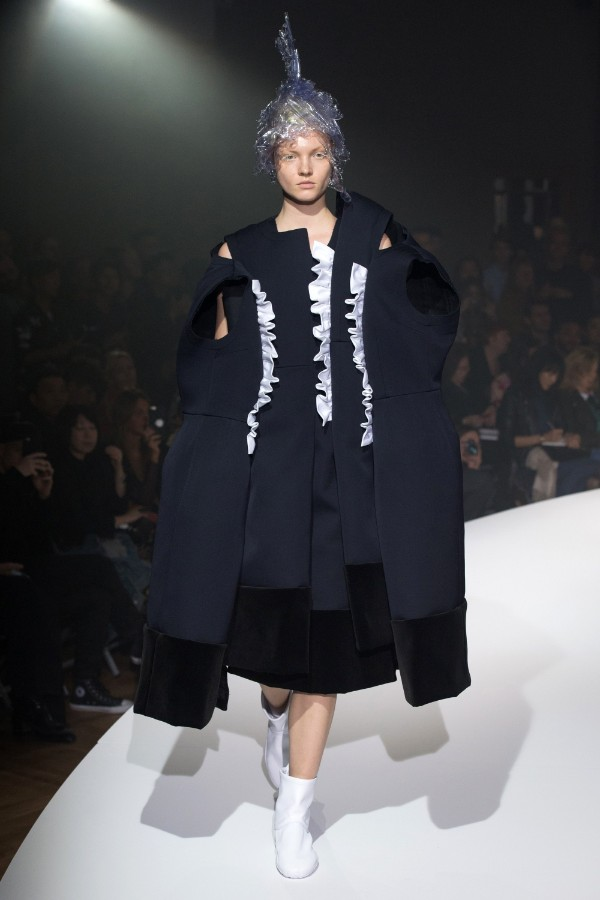 comme-des-garoons-ready-to-wear-ss-2017-pfw-2
