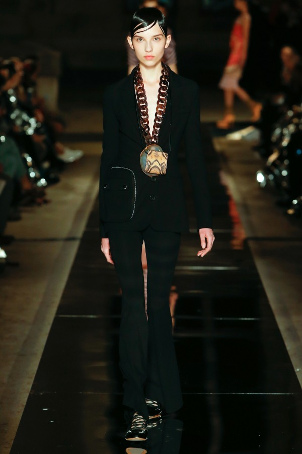 givenchy-ready-to-wear-ss-2017-pfw-16