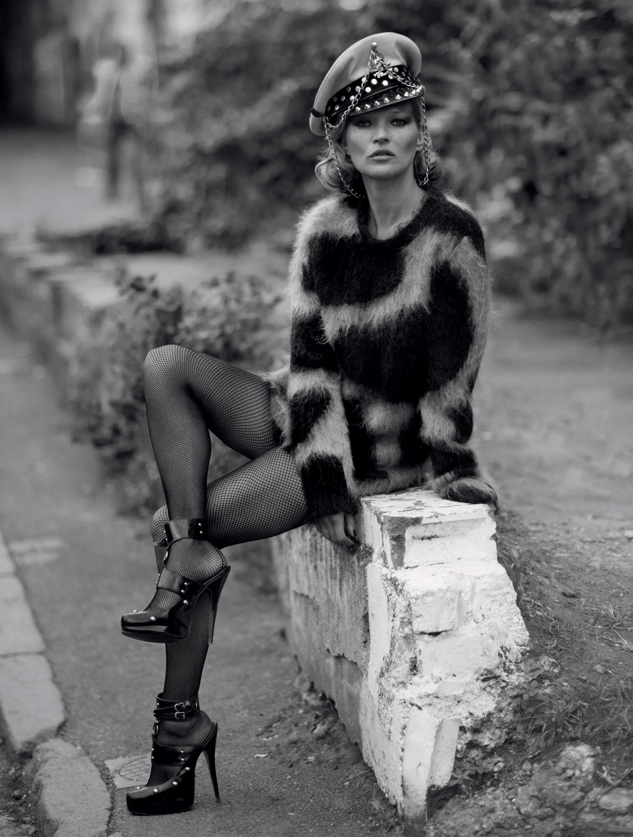 kate-moss-by-ethan-james-green-9