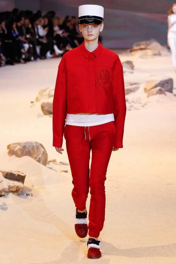 moncler-gamme-rouge-ready-to-wear-ss-2017-pfw-1