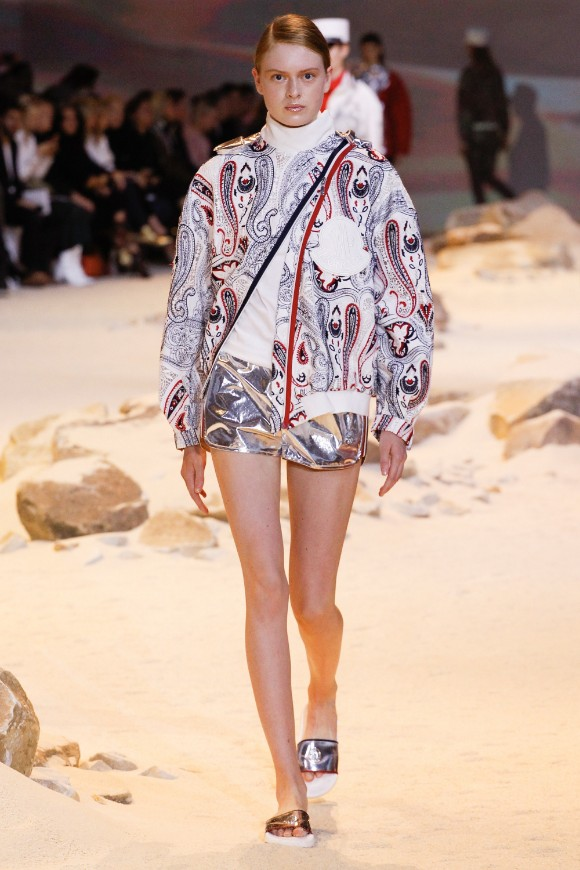 moncler-gamme-rouge-ready-to-wear-ss-2017-pfw-14