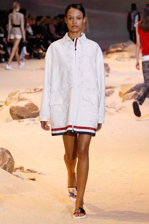 moncler-gamme-rouge-ready-to-wear-ss-2017-pfw-19