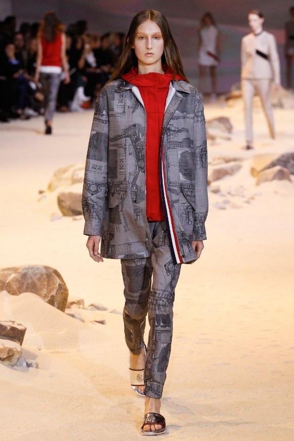 moncler-gamme-rouge-ready-to-wear-ss-2017-pfw-21