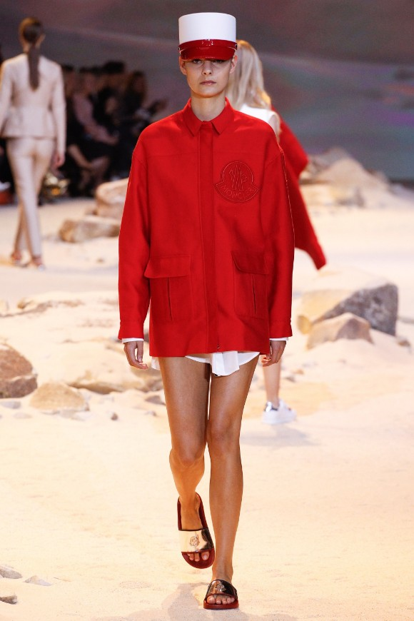 moncler-gamme-rouge-ready-to-wear-ss-2017-pfw-24