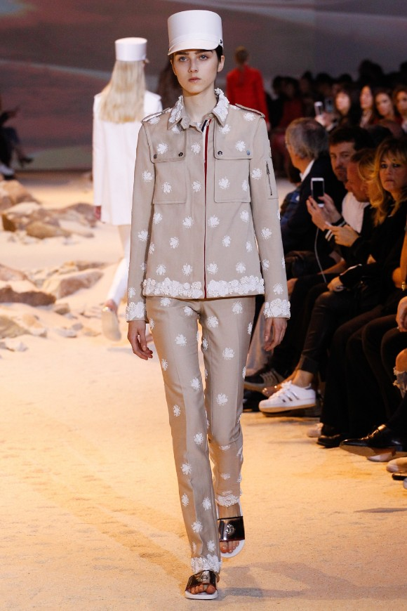 moncler-gamme-rouge-ready-to-wear-ss-2017-pfw-34