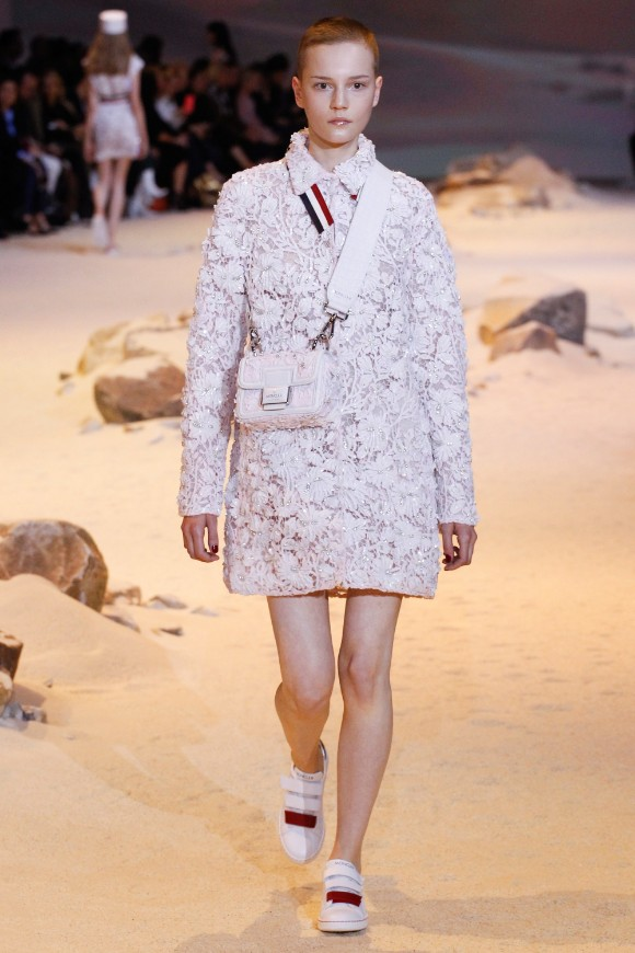 moncler-gamme-rouge-ready-to-wear-ss-2017-pfw-43