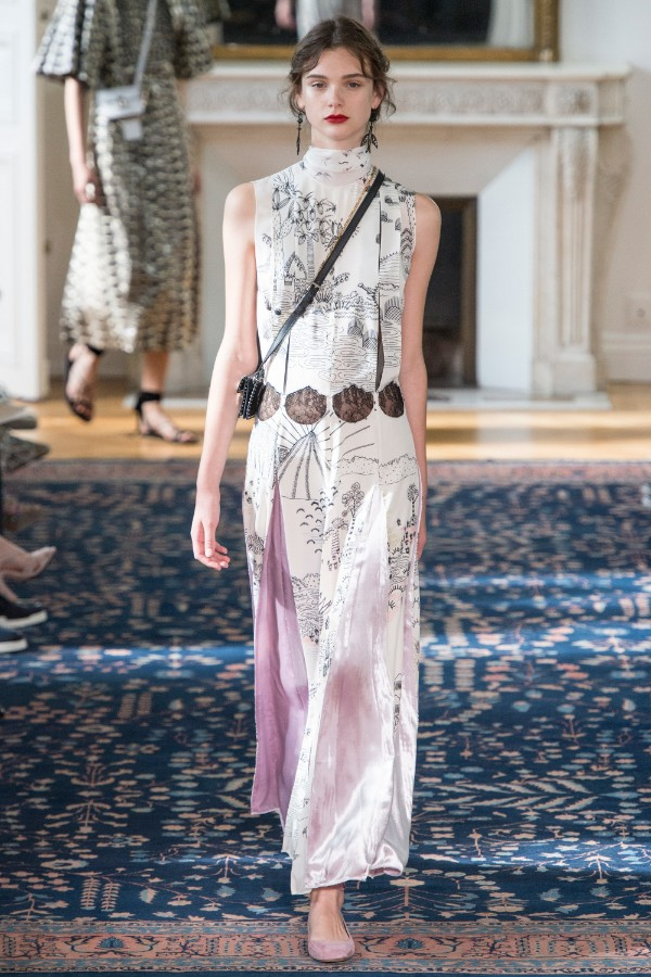 valentino-ready-to-wear-ss-2017-pfw-31