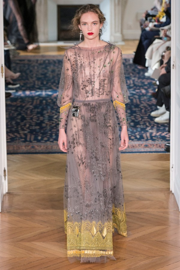 valentino-ready-to-wear-ss-2017-pfw-59