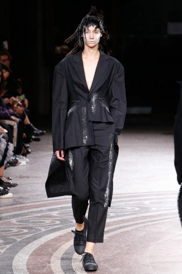 yohji-yamamoto-ready-to-wear-ss-2017-pfw-31